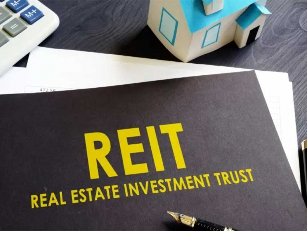 How to Reduce Risk and Generate Income with Halal REITs