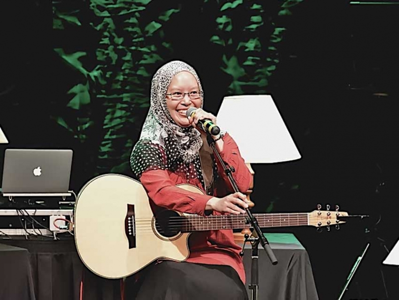 Muslim Link interviewed singer/songwriter Audrey Saparno about her music, her faith and her Indonesian heritage.