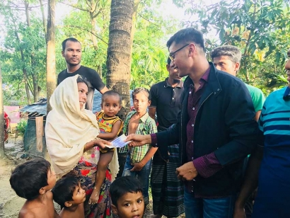 Rohingya in Canada Are Crowdfunding To Provide Winter Blankets for Refugees in Bangladesh