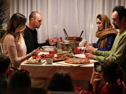 To help spread cultural awareness, Zabiha Halal, a Canadian halal food brand, brought two families together for a Sunday night dinner - the Siddiqui's, a Muslim family, and the Maleganovski Gonzalez's, a non-Muslim family.