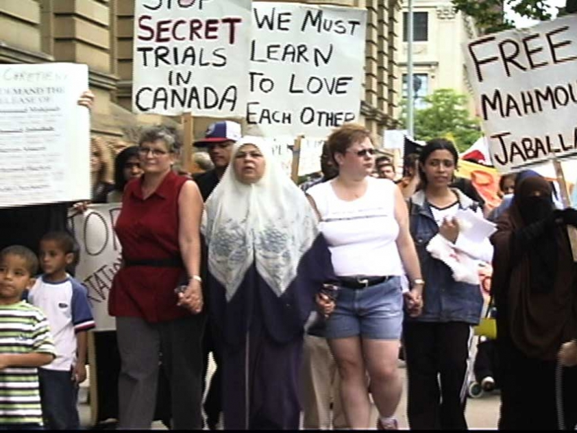 People in Ottawa demonstrate against security certificates