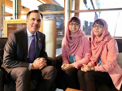 Pakistani Canadian Teen Activist Twins Advocate for Girls' Education at G7 Summit
