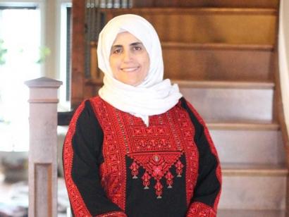 Motarrazat is an Ottawa based clothing company started by Palestinian Canadian Manal Abusheikha.