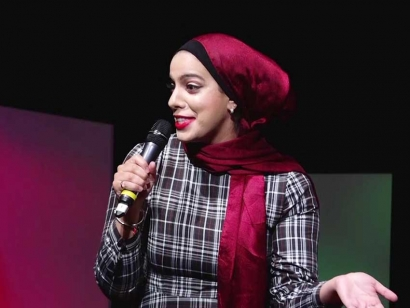 Salma Hindy speaking at TEDxUofT at the University of Toronto in 2019.