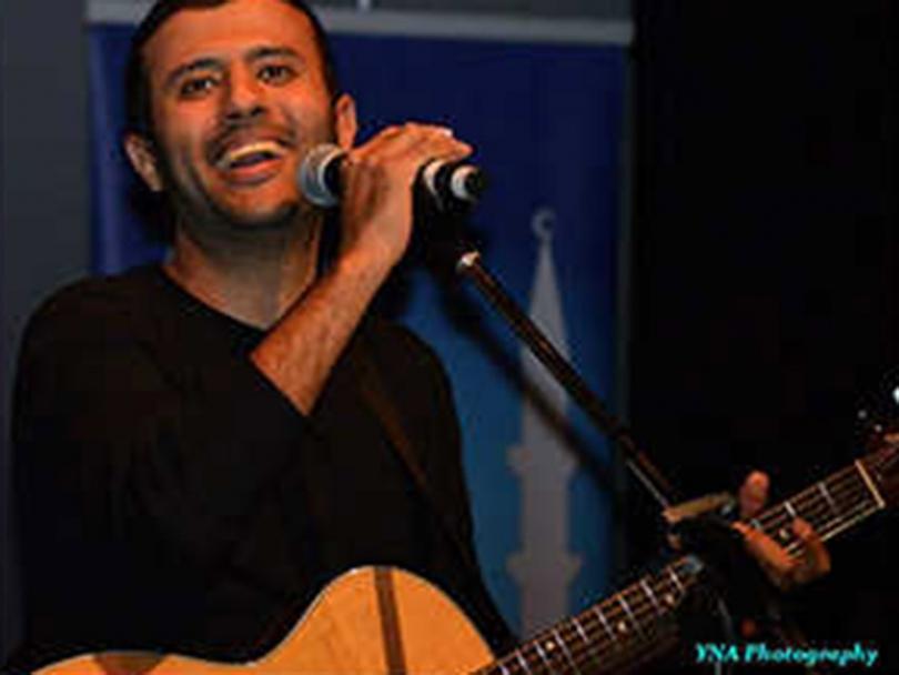 Hamza Namira performing in Ottawa.